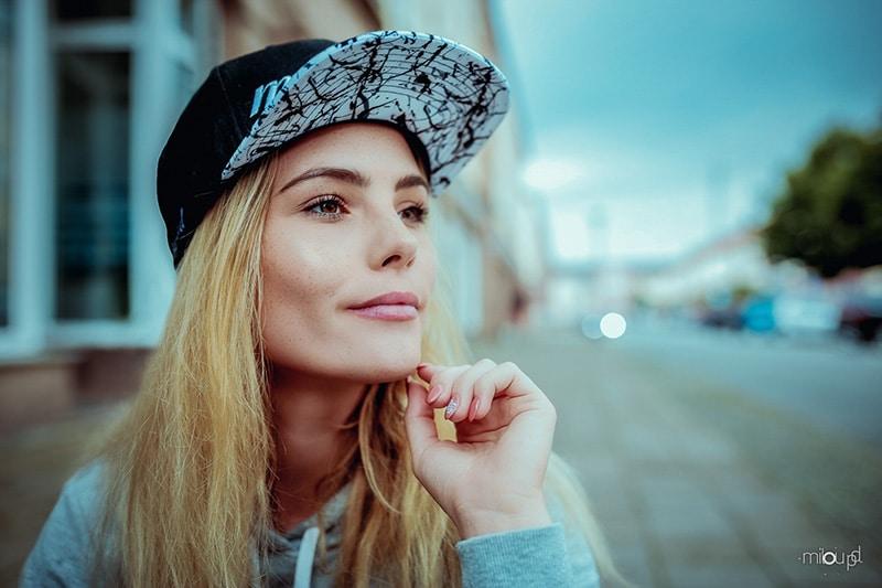Portraifotografie-Das-Geheimnis-des-Lichts-Videokurs-miloupd-Ulli-mit-Cap-Street